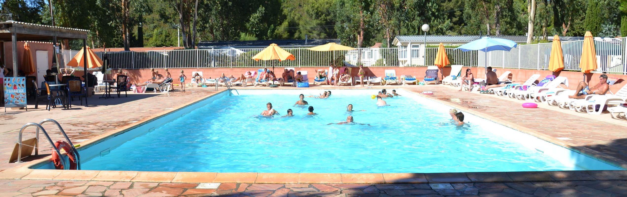 Camping 4 toiles dans le var la londe les maures pr s for Camping dans le var avec piscine